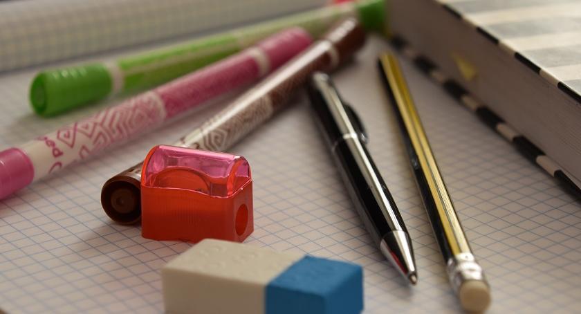 Szkolnictwo, szkolny wielkie wydatki Gdzie jaką pomoc możemy uzyskać Białołęce - zdjęcie, fotografia