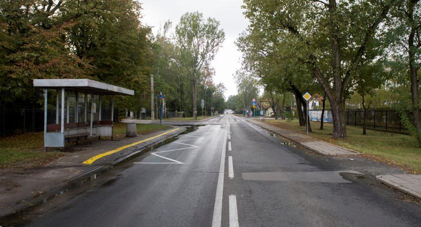 Drogi, Bezpieczny chodnik Bohaterów połowie grudnia - zdjęcie, fotografia